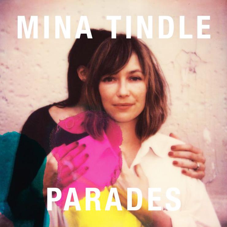 Parades-mina-tindle-la-parizienne