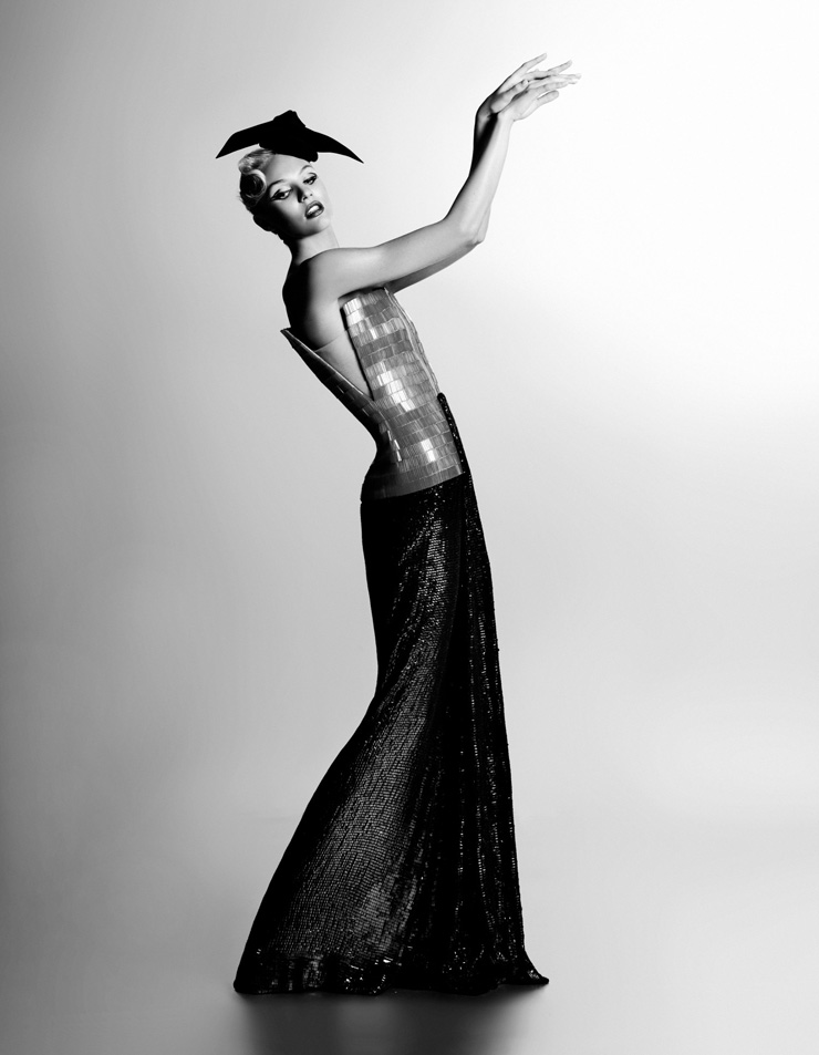 Karl Lagerfeld Candice Swanepoel, Harper's Bazaar, Corée 2011 Impression acrylique sur aluminium © 2015 Karl Lagerfeld